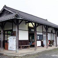 松浦鉄道西九州線・蔵宿駅、古い木造駅舎が現役