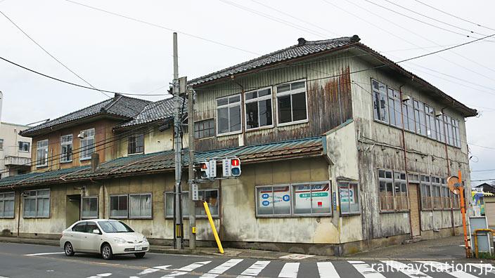 北府駅前、福井鉄道用地内にある福鉄旧本社社屋。