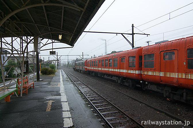 岳南鉄道・岳南富士岡駅、元・東急の5000系電車が留置