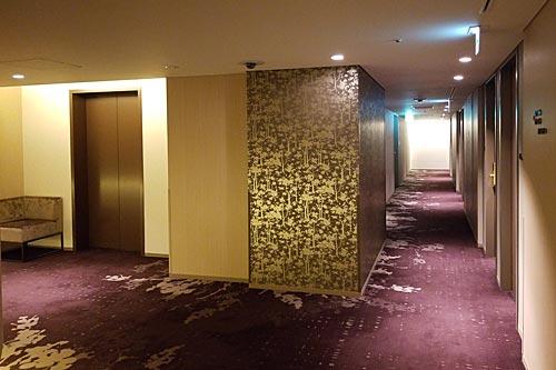 ホテルメトロポリタンさいたま新都心、客室階の廊下