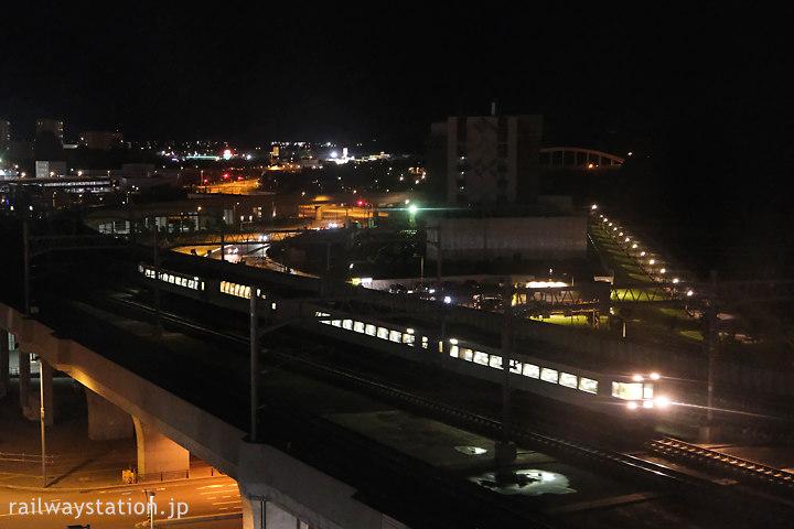 ワイズホテル旭川駅前からのトレインビュー、石北本線の特急オホーツク4号