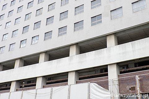 高尾アパート、3・4階部分に姫路モノレールの大将軍駅があった