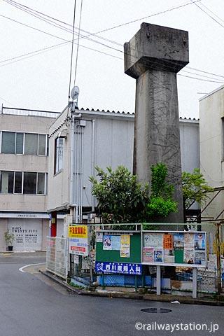姫路市の街中に残る姫路モノレール廃線跡の橋脚