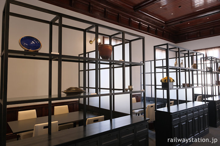 門司港駅舎みかど食堂byNarisawa、店内の個室風テーブル
