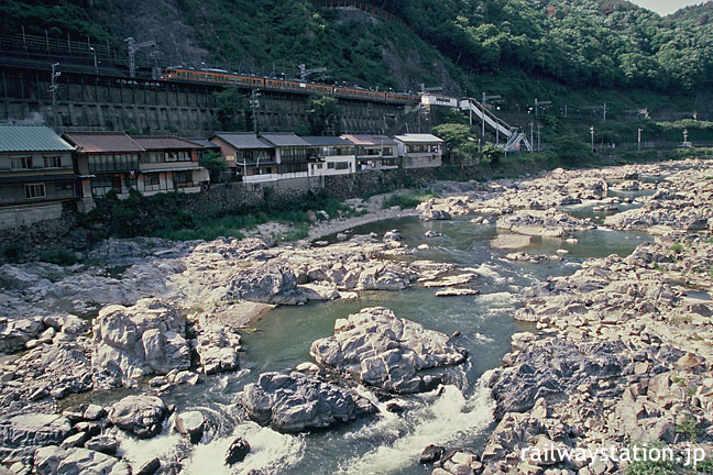 JR東海、名古屋に近い秘境駅、中央本線定光寺駅と庄内川の渓流