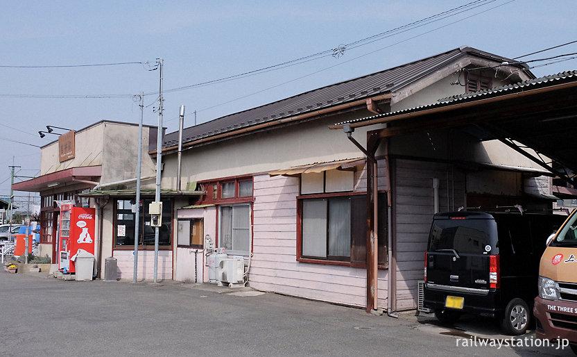 群馬県の上信電鉄・吉井駅の木造駅舎