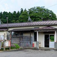 JR東日本飯山線・越後岩沢駅、昭和2年築の木造駅舎