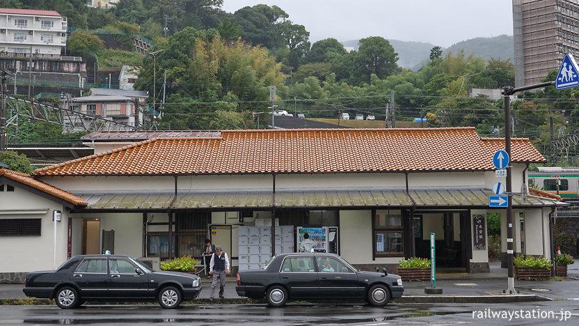 JR東日本伊東線・来宮駅の木造駅舎、駅舎側面