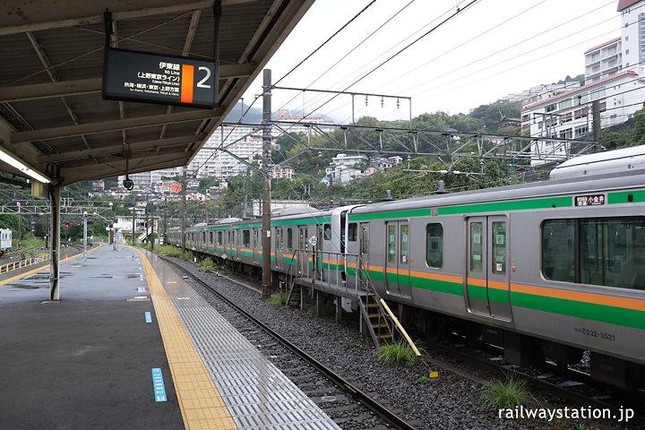 JR伊東線・来宮駅ホームと留置線