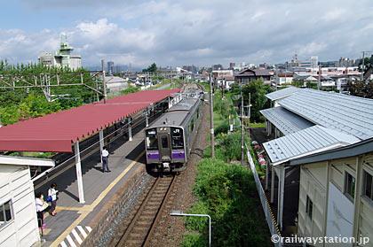 盛岡市、JR東北本線・仙北町駅ホーム