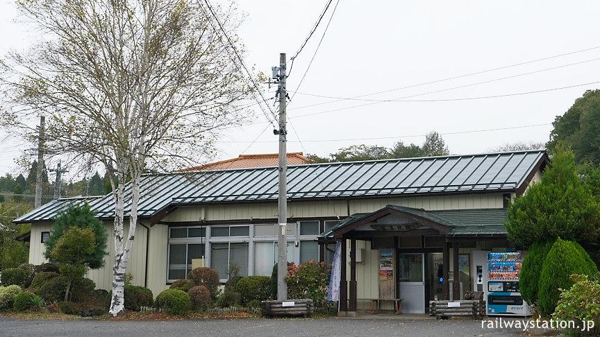 「青い鳥」の清澄駅ことJR中央本線・信濃境駅、ロケ地となった木造駅舎