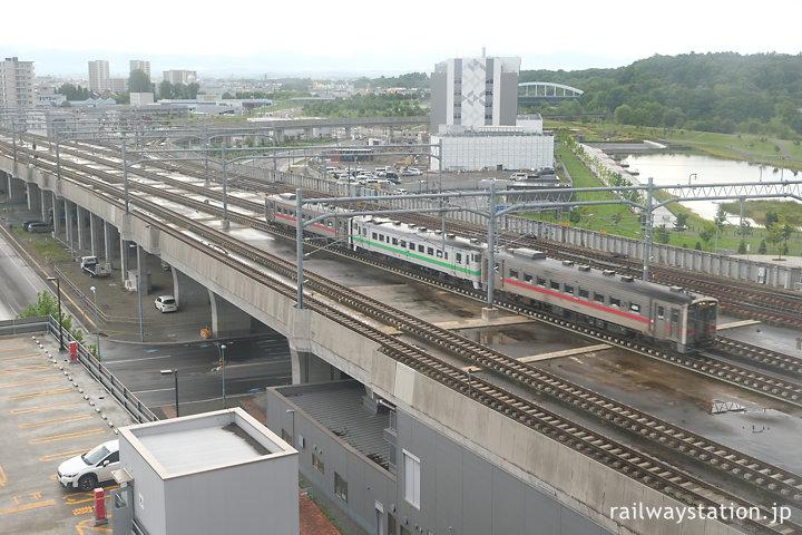 旭川駅に進入するキハ54+キハ40の普通列車