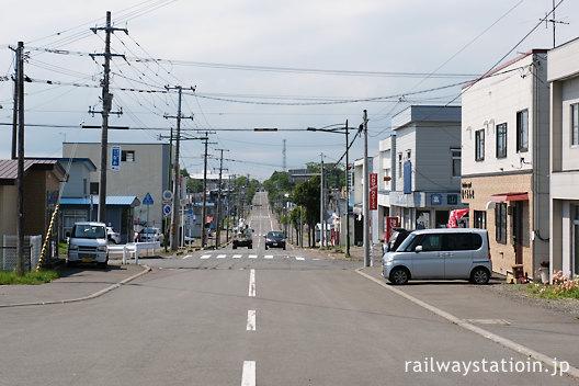 JR花咲線・茶内駅、駅前の街並み