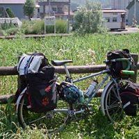 北海道を自転車旅行中、休憩でふと眺めたJR留萌本線・幌糠駅
