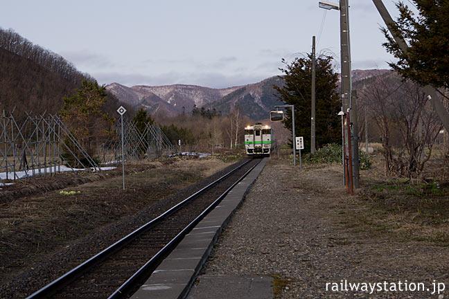 JR北海道・石北本線・上白滝駅唯一の上り列車が入線