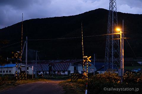 JR北海道・石北本線、旧白滝駅近くの踏切
