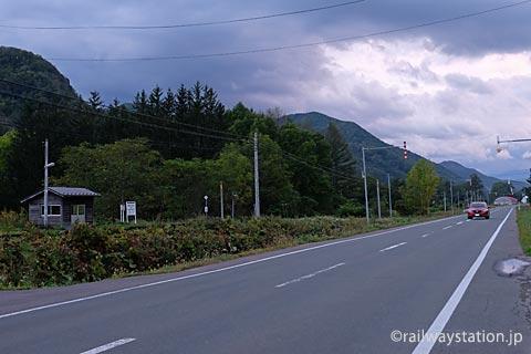 遠軽町、石北本線・旧白滝駅、駅前を通る国道333号線