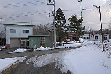 函館本線・砂原支線・渡島沼尻駅、駅前の集落