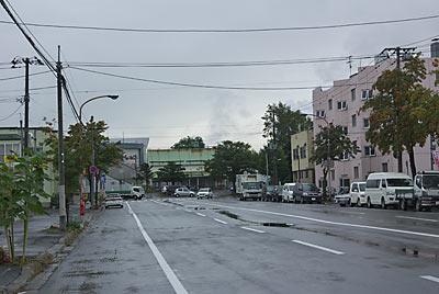 JR北海道・新旭川駅、駅から伸びる道