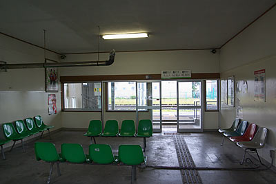 JR北海道・新旭川駅、待合室