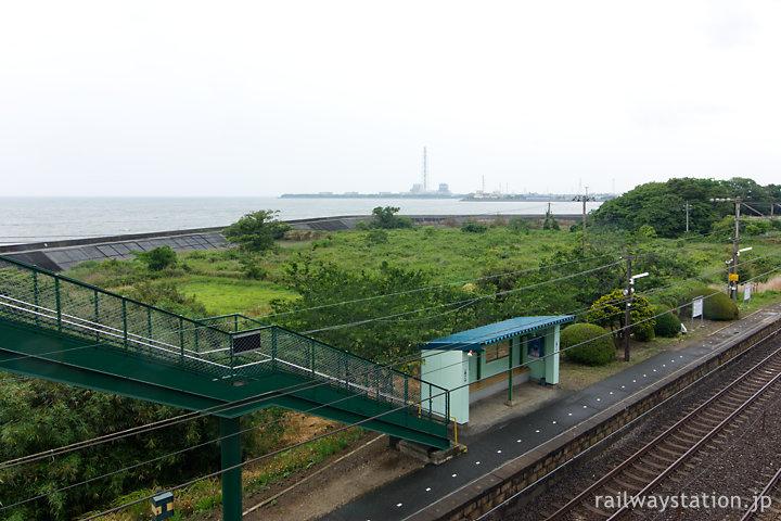JR日豊本線・豊前松江駅ホームと海