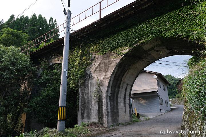 日田彦山線、大行司駅‐宝珠山駅間のめがね橋