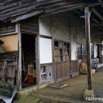 肥前長野駅(JR九州・筑肥線)~廃墟同然の木造駅舎!?~