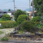 日田彦山線・池尻駅、枯れた池のある庭園跡と謎のオブジェ