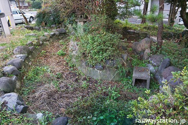 JR九州・日田彦山線・石原町駅、川のような枯池