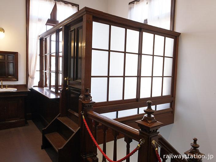 門司港駅駅舎2階、食堂出入口にある謎の一室