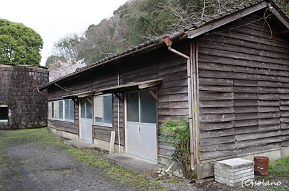JR九州・肥薩線・大畑駅、木造の詰所跡