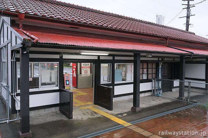 JR九州日豊本線・田野駅、駅舎ホーム側