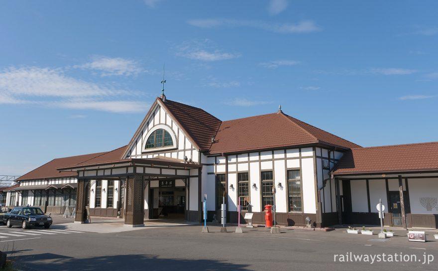 こんぴらさんのお膝元の洋風木造駅舎、琴平駅(JR四国土讃線)