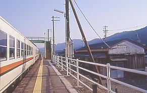 夕刻、高山本線、萩原町にある上呂駅に降り立った。