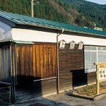 上呂駅(JR東海・高山本線)~夕陽に染められ深み増す木造駅舎~