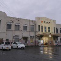 JR東海身延線・南甲府駅、富士身延鉄道の本社が置かれた堂々たる駅舎