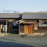 野田城駅(JR東海・飯田線)~古びた木造駅舎と桜並木が美しい駅~