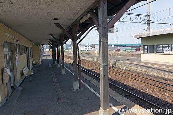 JR西日本・山陰本線・東松江駅、駅舎ホーム側とプラットホーム