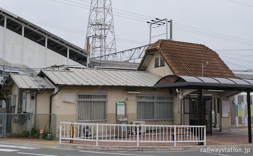 阪和線・東佐野駅の木造駅舎、駅舎側面