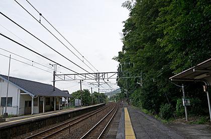 JR山陽本線・神代駅、2面2線のプラットホーム