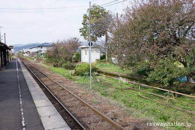 JR西日本・姫新線・美作千代駅、廃止された反対ホーム