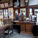 JR因美線・美作滝尾駅の木造駅舎、昔のままの旧駅事務室内部