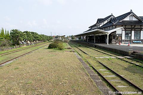 大社線・大社駅、廃線後もホームが残る