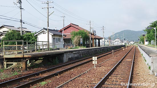 JR西日本・津山線・玉柏駅プラットホーム、2面2線の構内配線