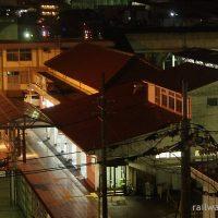 駅隣のホテルアルファーワン津山の客室から見た津山駅
