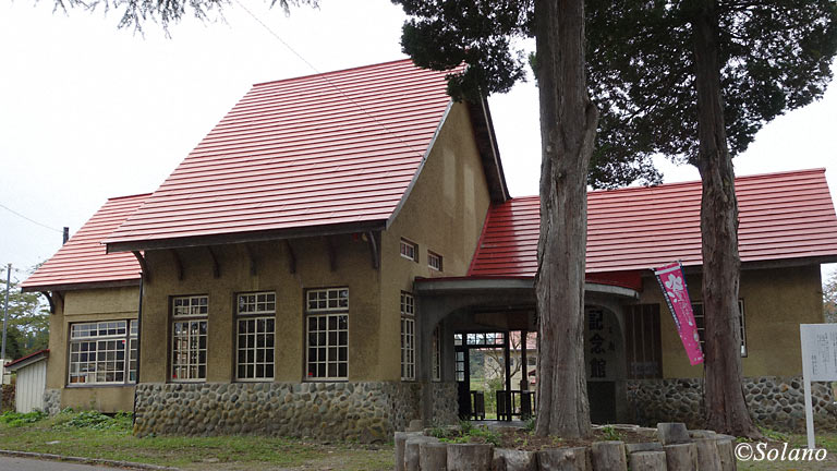 国鉄日中線・熱塩駅(現・日中線記念館)。昭和13年築の洋風木造駅舎