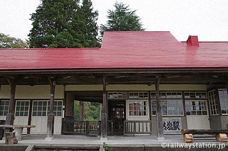 国鉄日中線・熱塩駅(現・日中線記念館)、駅舎ホーム側