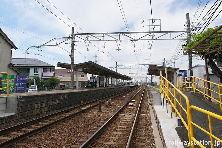 名鉄富貴駅、河和線と知多新線の分岐駅で2面3線のホーム