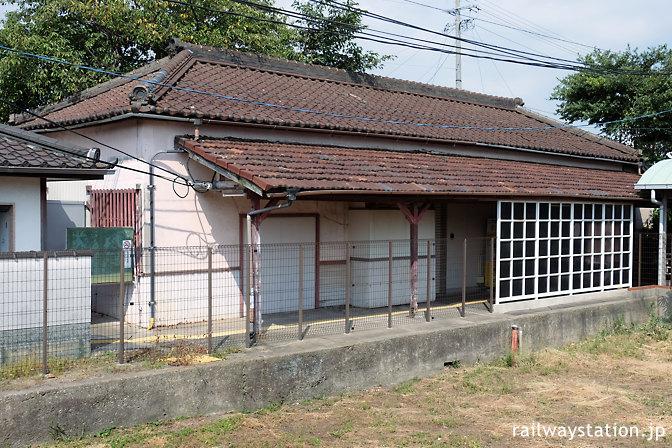 名鉄三河線・高浜港駅の木造駅舎、ホーム側