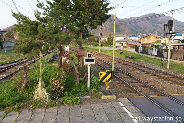 長野電鉄・屋代線・松代駅、構内通路踏切横の池庭跡